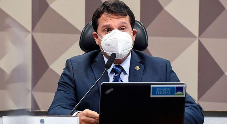 Senador articula derrubada de veto de Bolsonaro a remédios para câncer