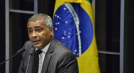 Na imagem, senador Romário (PL-RJ)
