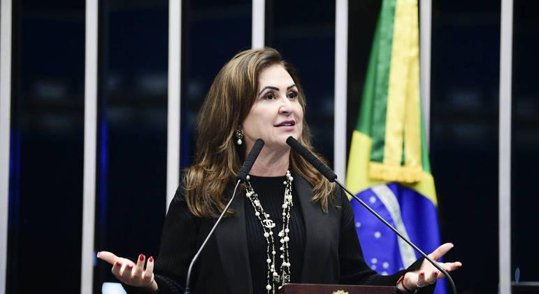 A relatora, Kátia Abreu, fez apelo ao governo para que destine R$ 10 bilhões à nova rodada