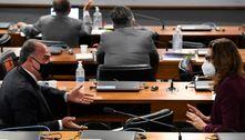 Provocadas por Flávio Bolsonaro, senadoras fazem plantão na CPI