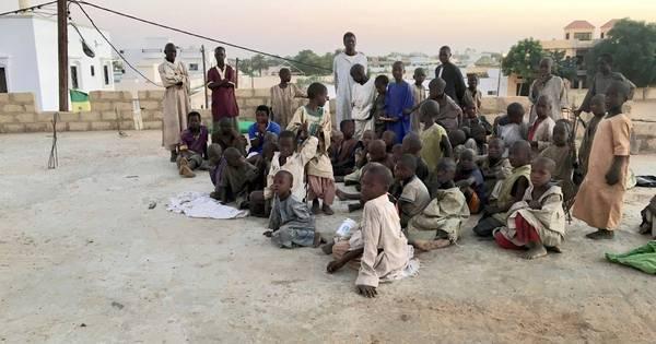 Senegal: mais de 100 mil crianças são forçadas a mendigar nas escolas