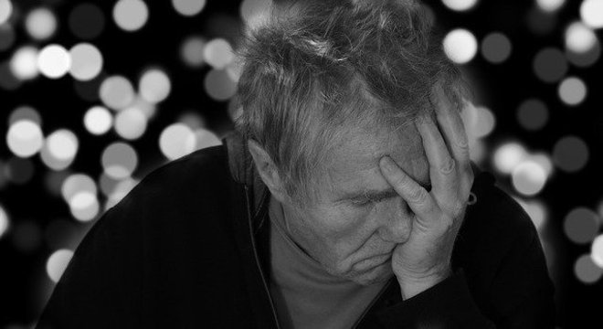Pessoas mais velhas possuem chance maior de desenvolver quadros demenciais