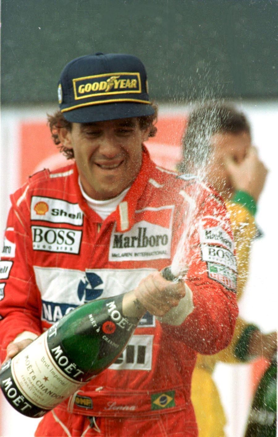 Senna. O Brasil teve um campeão da Fórmula 1 há 29 anos. Tempo demais
