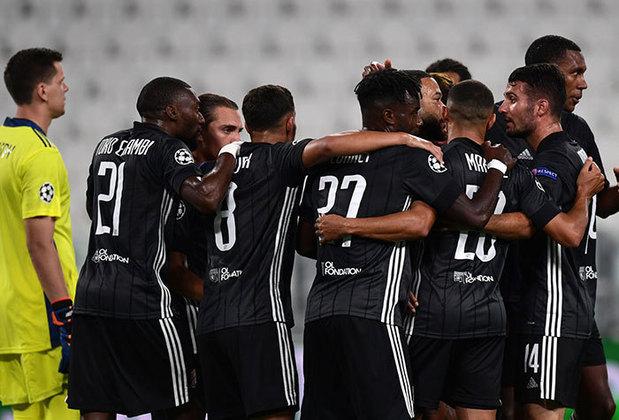 Sensação da Liga dos Campeões da Europa na edição passada, quando foi semifinalista, o Lyon tinha seis brasileiros no elenco. Além disso Juninho Pernambucano é o gerente de futebol.