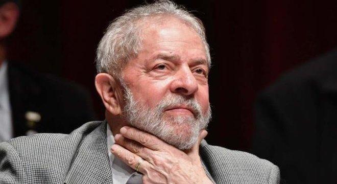 Quando deixar a prisão, Lula teria planos de se casar novamente