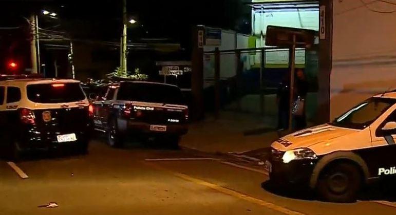 Agentes da polícia cumprem mais de 20 mandados de busca e apreensão