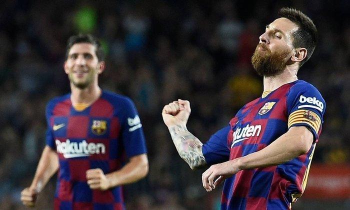Serão oito jogos nessa primeira rodada. Isso porque Real Madrid, Barcelona (foto) e Atlético de Madrid (que disputaram a reta final da Liga dos Campeões); Getafe e Sevilla (por terem atuado na fase decisiva da Liga Europa); e Elche (grande vencedor do playoff da promoção) estrearão mais tarde.