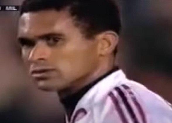 Serginho - Posição: lateral-esquerdo - Time em que jogou: Bahia