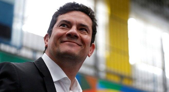 Resultado de imagem para Sergio Moro deve aceitar convite de Bolsonaro