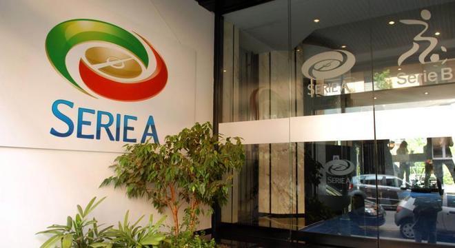 A entrada da sede da Liga de Clubes da Série A da Itália