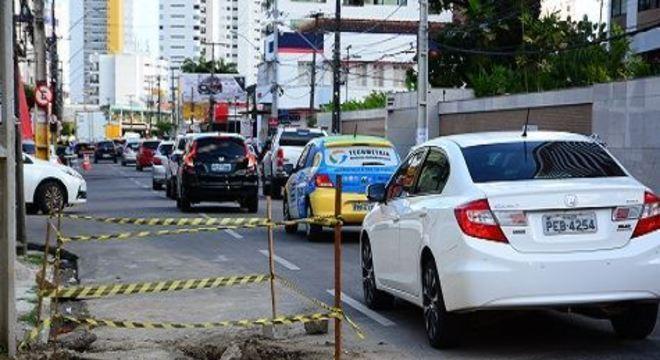 Serviço de pavimentação fechará uma das pistas da via até o final de outubro, mas o trânsito no local não será desviado