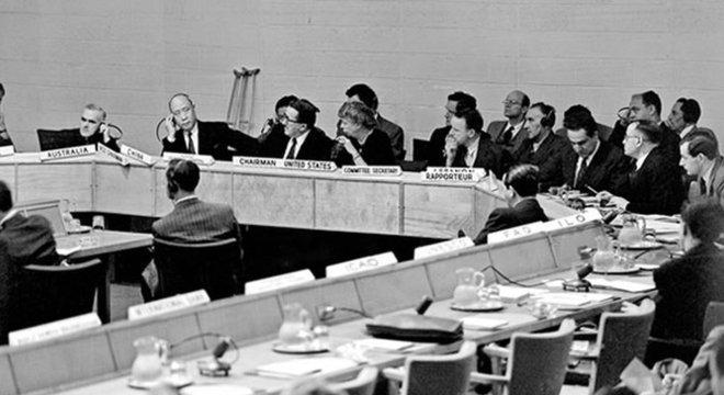 Sessão na ONU dedicada à Declaração Universal dos Direitos Humanos; um dos objetivos era impedir que horrores do nazismo voltassem a ocorrer