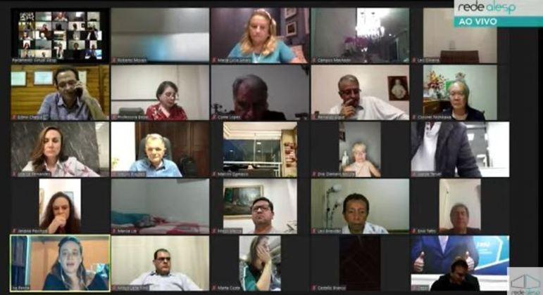 Isa Penna fala durante sessão virtual que votou a suspensão de Fernando Cury  na Alesp