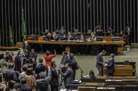 Plenário da Câmara, durante sessão para LDO de 2020