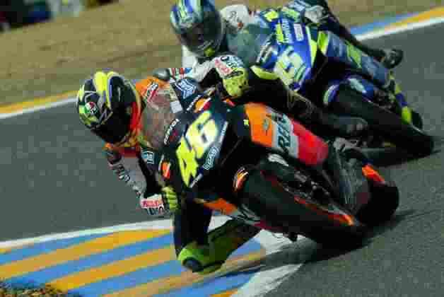 Sete Gibernau venceu o encurtado GP da França de 2003 pós boa briga com Valentino Rossi