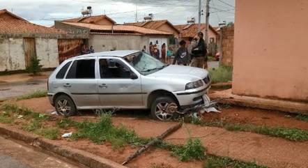 Motorista era inabilitado e fugiu após acidente