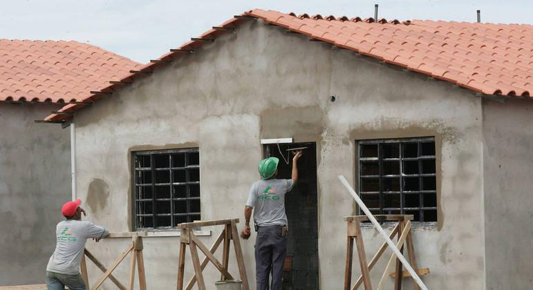 Setor da construção pode perder 250 mil empregos com corte no programa habitacional do governo