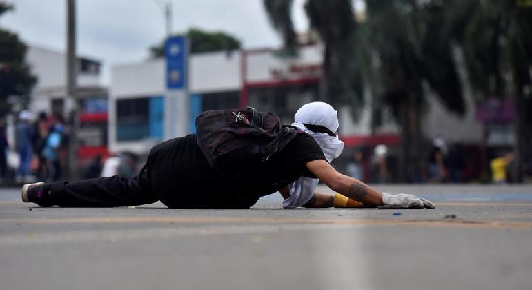 Sexta-feira (28) foi marcada por confrontos entre manifestantes e forças de segurança em Cali
