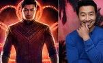 Simu Liu (Shang-Chi)O novo herói da Marvel vai ser apresentado oficialmente nos cinemas em setembro, mas já é figura conhecida nos quadrinhos. O mestre em artes marciais será interpretado pelo ator Simu Liu.Shang-Chi e a Lenda dos Dez Anéis estreia em 3 de setembro deste ano nos cinemas