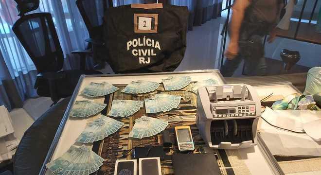 Materiais apreendidos na casa do ex-cunhado de Shanna, Bernardo Bello