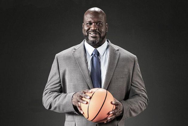 Shaq, que se aposentou das quadras em 2011 e desde então segue a carreira como comentarista de basquete, é conhecido justamente por seu estilo extrovertido