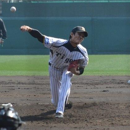Shintaro Fujinami, do Hanshin Tigers, time de beisebol profissional do Japão, teve coronavírus, além de Kenya Nagasaka e Hayata Ito, do mesmo time.