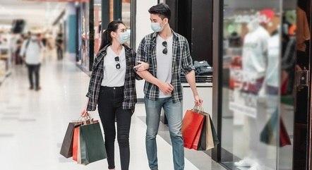 Shoppings podem abrir aos domingos em BH