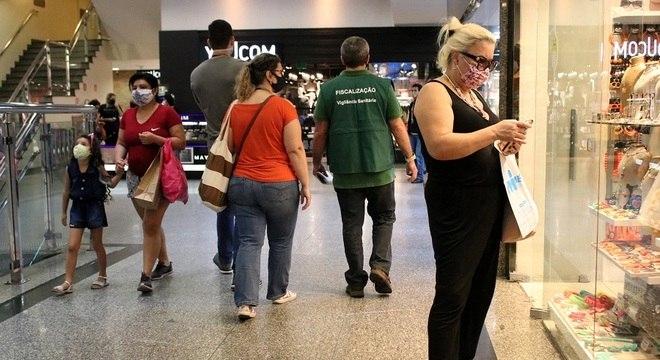 Entre dias 13 e 23 de junho, média móvel do total diário de óbitos aumentou 28%