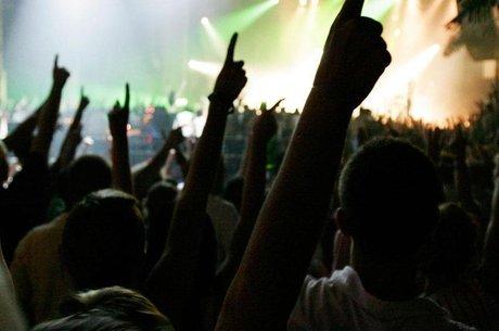 Desde a década de 70, Ibiza é conhecida por  cena musical e festiva