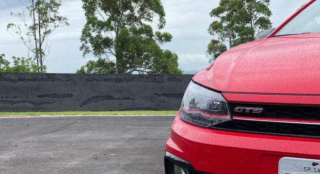 Apesar de não ter escape direto, o Polo GTS tem emulador de som interno, que deixa o carro ainda mais esportivo