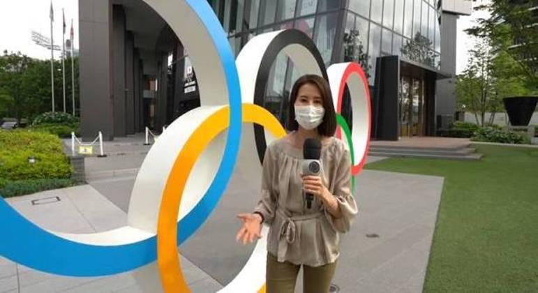 Silvia Kikuchi , correspondente da Record na Ásia, na série sobre os Jogos Olímpicos