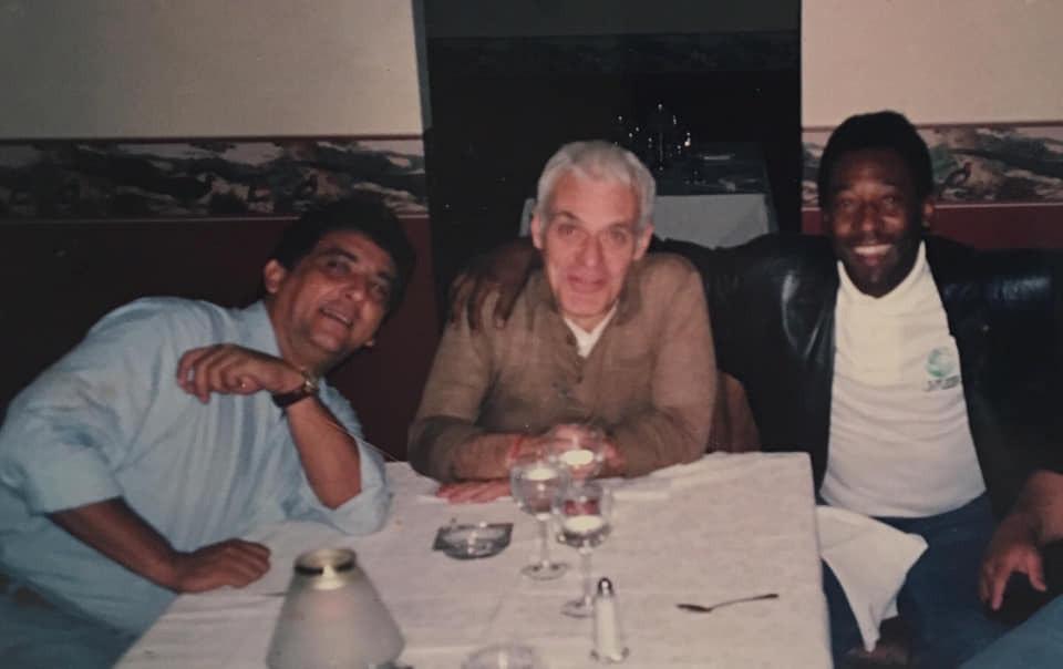 """Silvio Luiz, Galvão Bueno e Pelé. """"Proximidade, mas cobrança durante os jogos"""""""