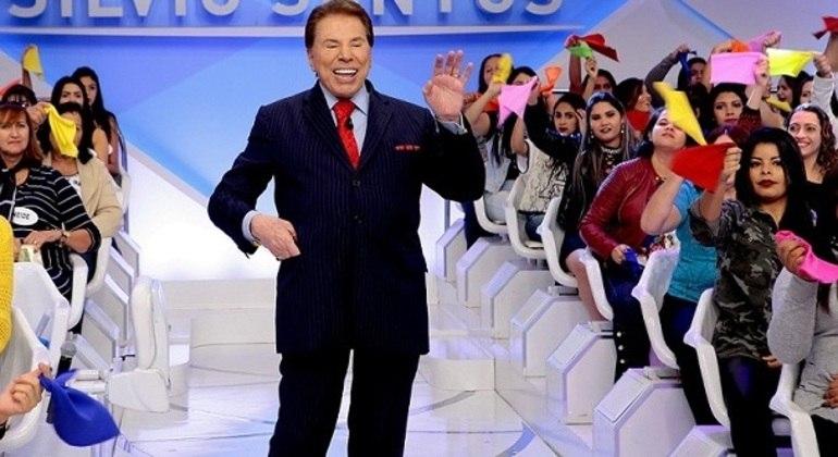 O apresentador Silvio Santos leva uma vida pessoal discreta e está fora da internet