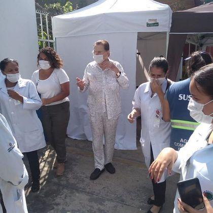 Silvio Santos, de 90 anos, foi vacinado no dia 10 de fevereiro. As filhas comemoraram a imunização do apresentador