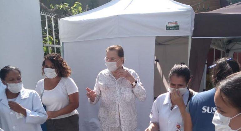 Silvio Santos recebe vacina contra a Covid-19 em São Paulo