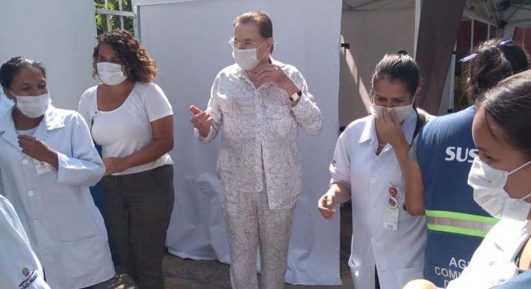 Depois que receber a segunda dose da vacina, Silvio Santos quer voltar a gravar