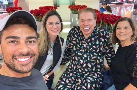 Silvio fez selfie com fãs em shopping de Orlando