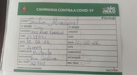 Carteira de vacinação de Silvio Santos