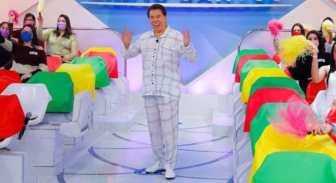 Silvio Santos usou pijama que ganhou do neto Tiago Abravanel