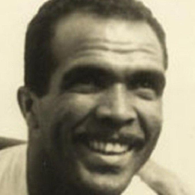 Simão - Ponta - Nascido em Recife, Pernambuco