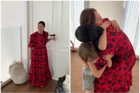 Simaria Mendes reencontra filhos após isolamento