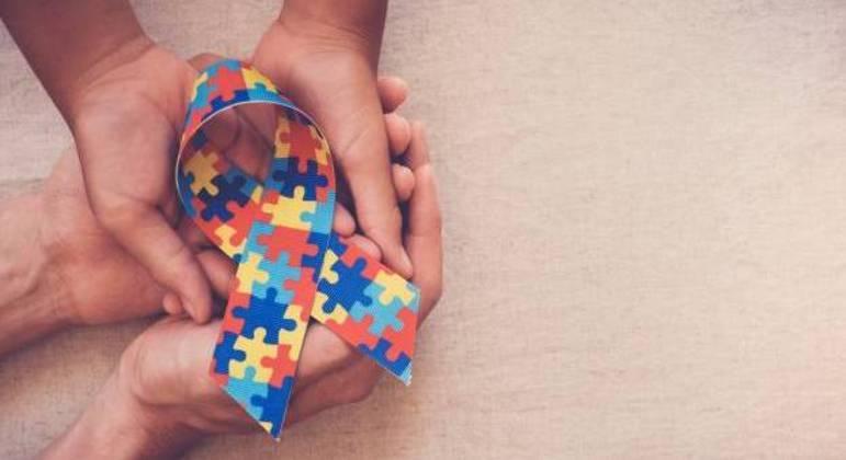 Símbolo do autismo, que deve constar em cartazes nos estabelecimentos