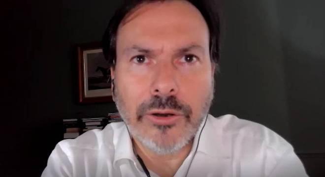 Simon Anholt, em entrevista à BBC News Brasil: 'Há algo errado na forma como escolhemos, incentivamos e motivamos e colaboramos (ou fracassamos em colaborar) com nossos políticos, (...) desde as ditaduras mais tirânicas, como Belarus, até o Canadá, um país pacífico e democrático'