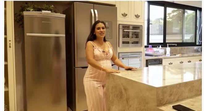 Cantora mostrou a cozinha e disse que é seu canto favorito da casa