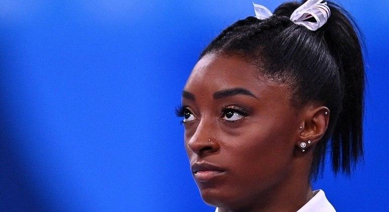 Simone Biles desistiu da competição por equipes e da individual geral