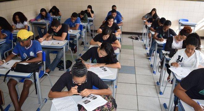 Simulado do Enem na Bahia; 'as pessoas identificam a matemática com a parte operacional, com saber a fórmula. Mas é muito mais do que isso: é a consequência de entender conceitos', diz especialista