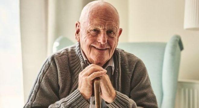 A ciência e a medicina têm ajudado a fazer com que as pessoas envelheçam melhor