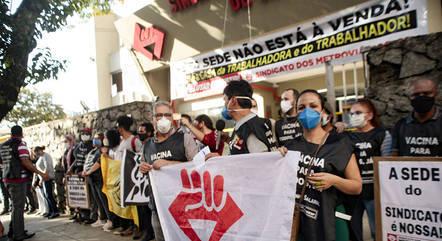 Ato de sindicalistas contra reintegração de posse