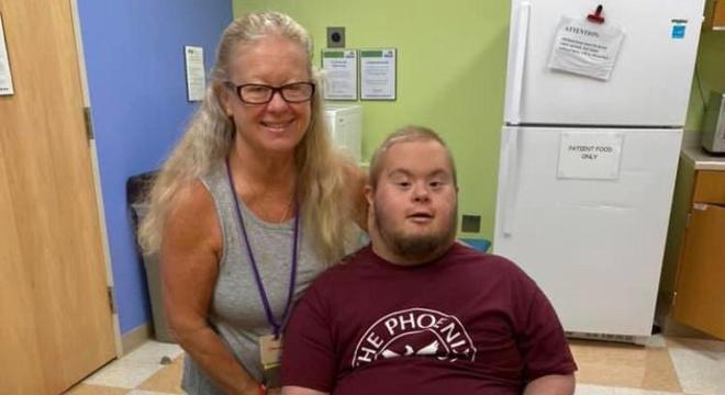A  mãe ficou ao seu lado durante todo o tempo no hospital