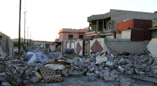 Estragos causados pelo massacre de 2014 em Sinjar ainda permanecem